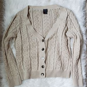 Sweater/cardigan